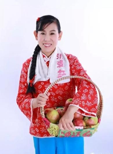 苹果姐王爱菊被舞梦飞扬全国舞蹈大赛组委会聘为嘉宾